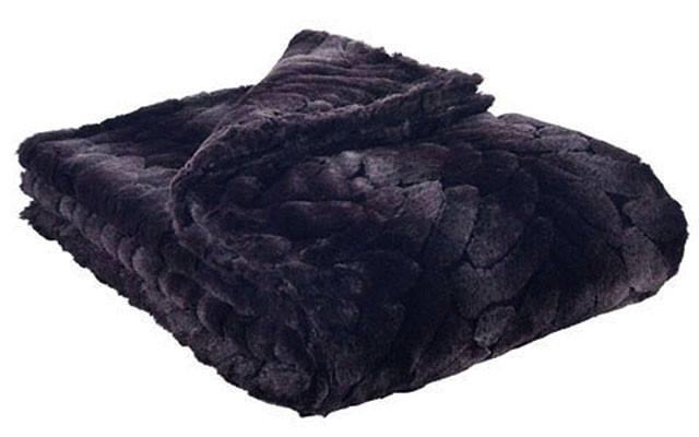 Throw - Luxury Faux Fur In Aubergine Dream