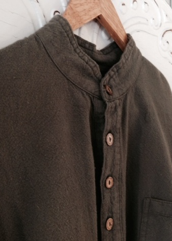 Mandarin collar Shirt in Tan